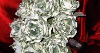 Những bó hoa độc đáo và ấn tượng nhất dành tặng lễ 20-10 7