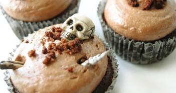 Những chiếc bánh kem nhỏ nhắn xinh xinh dành tặng bạn bè trong ngày lễ Halloween 2