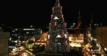 Cây thông noel đẹp nhất trên thế giới mang lại hạnh phúc an lành cho giáng sinh 6
