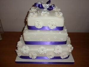 Những hình ảnh bánh kem cưới đẹp lãng mạn và lung linh nhất 5