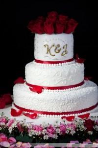 Những hình ảnh bánh kem cưới đẹp lãng mạn và lung linh nhất 8
