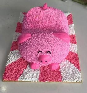 Những hình ảnh bánh sinh nhật hình chú heo trong cực dễ thương 8