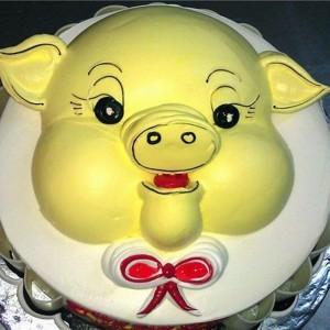 Những hình ảnh bánh sinh nhật hình chú heo trong cực dễ thương 9