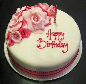 Những hình ảnh bánh sinh nhật màu hồng vô cùng dễ thương và lãng mạn 3