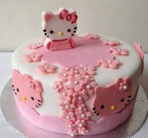 Những hình ảnh bánh sinh nhật màu hồng vô cùng dễ thương và lãng mạn 7