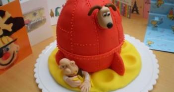 Những hình ảnh bánh sinh nhật ngộ nghỉnh dành tặng bạn bè 6