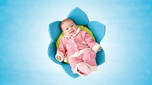 Hình baby dễ thương nhất cho máy tính 15
