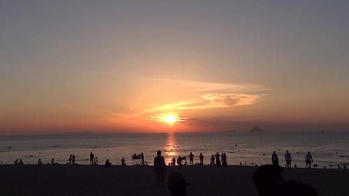 Biển Nha Trang hoàng hôn về đêm bình minh đẹp nên thơ 19
