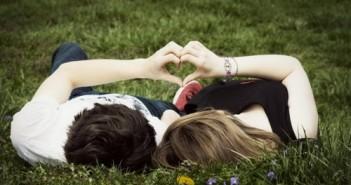 Hình ảnh đẹp về tình yêu ngọt ngào lãng mạn cùng hình ảnh buồn vì tình yêu tan vỡ 7