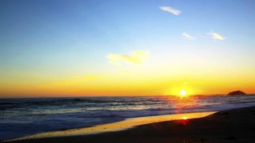 Cảnh hoàng hôn trên biển đẹp ấn tượng dùng làm hình nền ấn tượng 7