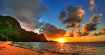 Hình ảnh bình minh rực rỡ trên bãi biển đầy ấn tượng 9